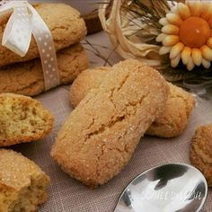 Cookie Recipe – Italian Butter Cookies – Useful Articles Italian Butter Cookies, Italian Cookie Recipes, Biscotti Cookies, Pan Dulce, Cannoli, Pasta, Food Cakes, Recipe For 4, Mini Cakes