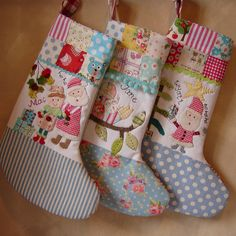 These stockings remind me of my child hood. Love! www.roxycreations.blogspot.com