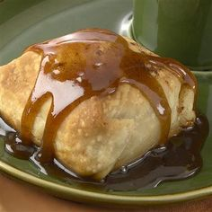 Easiest Ever! And Delicious! Apple dumplings are the quintessential warm and comforting fall dessert. Fruit Recipes, Apple Recipes, Fall Recipes, Dessert Recipes, Cooking Recipes, Dessert Food, Yummy Recipes, Fall Desserts, Just Desserts
