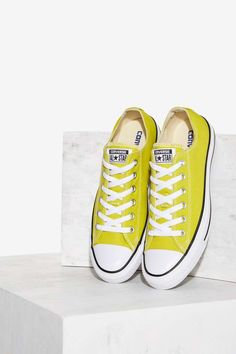 ab18539dfea1 Converse Chuck Taylor All Star Classic Sneaker - Bitter Lemon - Shoes