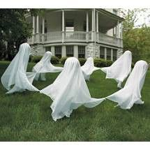 Easy to make ghosts for your front yard. You'll have the spooky house this Halloween!