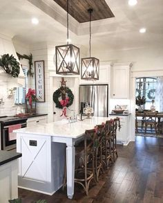 Home Decor Kitchen, Rustic Farmhouse Kitchen, Kitchen Remodel, Modern Kitchen, Farmhouse Kitchen Lighting, New Kitchen, Kitchen Layout, Kitchen Style, Kitchen Renovation