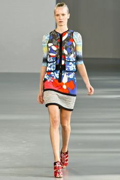 Peter Pilotto Spring 2012 Ready-to-Wear Fashion Show - Jenny Sinkaberg