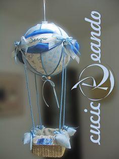 fiocco nascita mongolfiera azzurra, sfera da 25 cm, altezza circa 50http://pinterest.com/# cm.