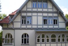 What a adorable house! And in great shape. And those windows by MM Timber Windows :)