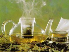 Melisa: properties and benefits Herbal Remedies, Home Remedies, Tienda Natural, Detox, Herbal Tea, Benefit, The Balm, Herbalism, Tea Pots