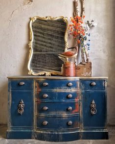 Adding That Perfect Gray Shabby Chic Furniture To Complete Your Interior Look from Shabby Chic Home interiors. Distressed Furniture Painting, Chalk Paint Furniture, Hand Painted Furniture, Painted Dressers, Shabby Chic Furniture, Rustic Furniture, Furniture Decor, Furniture Vintage, Classic Furniture