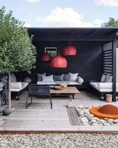 Home Terrace Garden Inspirations Small Backyard Landscape Design to Make Yours Perfect Beautiful Addition To Every House, fences for the terrace, see them, and you might find some creative idea. Small Backyard Landscaping, Backyard Patio, Landscaping Ideas, Backyard Ideas, Pergola Patio, Patio Ideas, Backyard Drainage, Garden Ideas, Gravel Patio