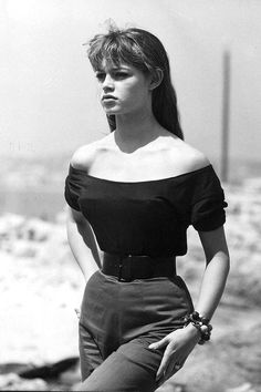 Brigitte Bardot in 1950s. I love this outfit so much!