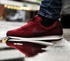 Nike Air Pegasus '83 – Team Red / Mortar – Black