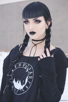Model/MUA/Photo: ©Obsidian Kerttu Shirt: Wallin / Cardi: Killstar Welcome to Gothic and Amazing |www.gothicandamazing.com