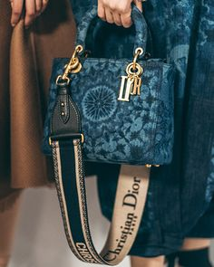 Stylish Dior handbag for any occasion Globale Mode Spring Survivalism Goes Glam Dior Purses, Dior Handbags, Fashion Handbags, Purses And Handbags, Fashion Bags, Fashion Accessories, Cheap Handbags, Popular Handbags, Handbags Online