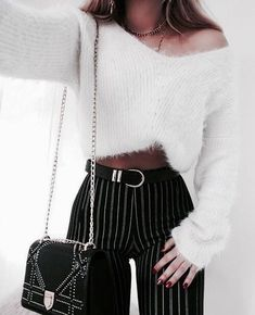 Black outfit and soft sweater bench - Cocotte Dupoulailler - - Tenue noir et banc pull doux Black outfit and soft sweater bench - Mode Outfits, Trendy Outfits, Fall Outfits, Summer Outfits, Girly Outfits, Winter Fashion Outfits, Look Fashion, 90s Fashion, Autumn Fashion