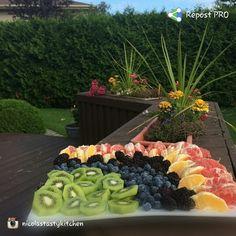 repost via @instarepost20 from @nicolastastykitchen #freshfruit #healthy #tasty #kiwi #berries #oranges #blackberries #EatClean #summertime #NaturallySweet THX 4 #CreatingLove #nomnomnom
