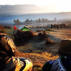 Ketika menikmati pemandangan alam bromo montain