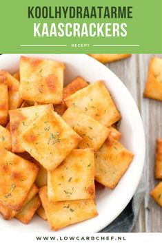 These low-carb cheese crackers are easy to make and delicious to eat as a breakfast or snack with smoked salmon, cream cheese or a slice of cheese. Gourmet Recipes, Low Carb Recipes, Healthy Recipes, Amish Recipes, Dutch Recipes, Easy Cupcake Recipes, Low Carb Cheesecake, Quick Easy Meals, Easy Eat