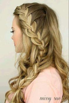 Trenza con cabello suelto