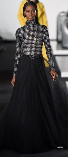 Spring style!! Black and silver! Classy black tulle skirt and metallic long sleeved top! Ralph Lauren Spring 2018 #luxurymoda