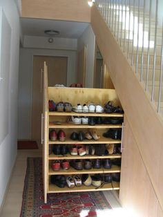 Best Under Stairs Storage Cupboard Staircases Stairways Ideas Welcome to Gowri Samayalarai Tips on Kitchen Cupboard organizing. Source by saqibfarzana ideas storage Staircase Storage, Basement Storage, Stair Storage, Staircase Design, Understairs Shoe Storage, Shoe Storage Under Stairs, Shoe Storage Pull Out, Cloakroom Storage, Basement Bars