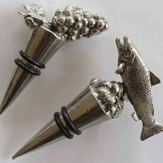 Pewter Wine stoppers (wine bottle stoppers) gorgeous NZ made products Wine Bottle Stoppers, Bottle Openers, Bbq Gifts, Gift Store, Pewter, Foodies, Presents, Products, Tin