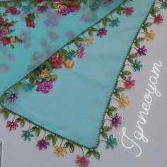 Crewel Embroidery, Bargello, Needlework, Diy And Crafts, Crochet Patterns, Instagram, Hand Embroidery, Embroidery, Dressmaking