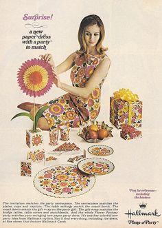 1967 Hallmark Flower Fantasy Paper Dress & Partygoods