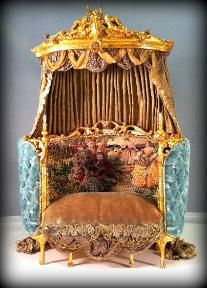 Miniature Rococo Settee by June Clinkscales Fairy Furniture, Miniature Furniture, Doll Furniture, Dollhouse Furniture, Gothic Dolls, Victorian Dolls, Barbie Bedroom, Mini Things, Miniture Things