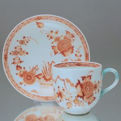 Meissen um 1760: Tasse mit Ährenmuster in Korall, Gold, Barock, tea cup antique, Meissen porcelain, china, teacup, coffeecup, orange, coral red