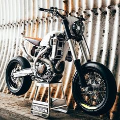 Mercenary Garage: Loonics 501 Husqvarna Street-Tracker by Loonics Cycleworks Tracker Motorcycle, Scrambler Motorcycle, Moto Bike, Stunt Bike, Custom Cafe Racer, Cafe Racer Build, Cafe Bike, Cafe Racer Bikes, Custom Motorcycles
