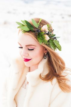 This bridal photo shoot by Candice Benjamin shows the beauty of winter with bright florals and stunning views of the Rocky Mountains. Bridal Hair And Makeup, Bridal Beauty, Wedding Beauty, Flower Crown Wedding, Bridal Crown, Floral Hair, Floral Crown, Wedding Looks, Wedding Day