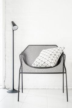 www.lillasky.com - classical black and white home decor