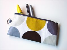 i need a cute pencil case like this the one i've been using for the last 24 yrs is falling apart. Cute Pencil Case, Diy Back To School, Cute Cases, Present Gift, Small Handbags, Falling Apart, Summer Sale, Lab, Craft Projects