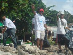 Limpiando nuestra Playa Caleta
