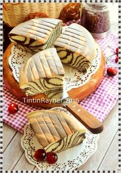 Resep Ogura Cake Zebra with Coconut Milk oleh Tintin Rayner - Cookpad Cake Recipes For Kids, Delicious Cake Recipes, Easy Cookie Recipes, Yummy Cakes, Vegan Recipes, Chocolate Cheesecake Cupcakes, Best Chocolate Desserts, Chewy Chocolate Chip Cookies, Cake Chocolate