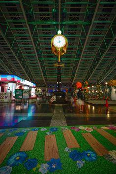 ôsaka station and ôsaka kansai airport - japan impressions photos Kansai Airport, Osaka, Japan, Photos, Japanese Dishes, Japanese, Cake Smash Pictures