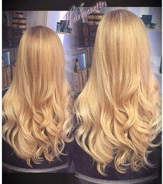 "Anette J. på Instagram: ""Beautiful summer balayage in january!☀️ #summersoonplease #hairpainting #summerhair #sexyhr #beachhair #balayage #babylights #balayagebabylights #ombrehair #blonde #blondie #wella #wellaeducation #wellalife #wellahair #colorist #mce #olaplex #olaplexdk #hår #frisør #københavn #instahair #hairinspo #frisørfrederiksberg #frisørkøbenhavn #iamavisualartist #btcpics @klippestuenz @modernsalon @hairmagazine.dk @olaplex @btc_one_shot @wellaeducation @wellahair"