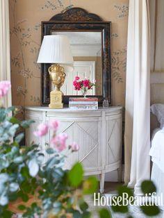 Garden Roses. Design: Michael S. Smith. Photo: William Abranowicz. housebeautiful.com #roses #bedroom