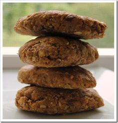 """Peanut Butter 'N Oats Energy Bars {faux """"Clif"""" Bars}-Nutritional info provided :)"""