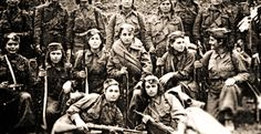 Democratic Army of Greece (DSE) soldiers during the Greek Civil War exact location and date unknown Military Photos, Military History, Army Women, History Images, History Education, Historical Images, World War Two, Civilization, Greece