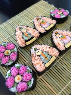 Sushi - just WOW. I'm not sure, if that's for eating or for looking... ;-)