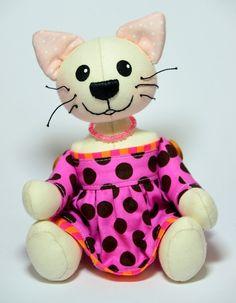 Malá kočička růžová - autorská - Na OBJEDNÁNÍ Hello Kitty, Minnie Mouse, Disney Characters, Fictional Characters, Art, Art Background, Kunst, Performing Arts, Fantasy Characters