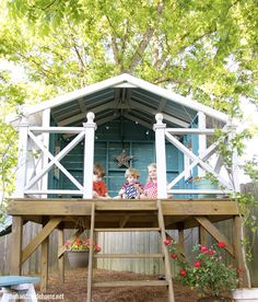Outside Bungalow: nice little perch to let their imaginations go