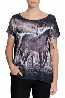 Comprar Blusa Premium Quadradasim Cavalo Mouro