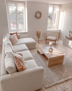 Boho Living Room, Spacious Living Room, Home And Living, Cream Living Room Decor, Bright Living Room Decor, Living Room Apartment, Beach Apartment Decor, Cozy Living Room Warm, Modern Living Room Table