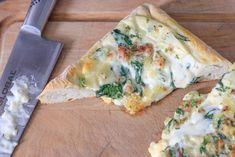 Pizza Bianca gratinada Spinach Recipes, Spanakopita, Menu Planning, Quiche, Breakfast, Ethnic Recipes, Food, Meals, Egg
