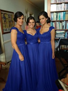 ***when you order please tell me your phone number for shipping needs .(this is very important )***The details of this bridesmaid dress***Fabric: Lace,ChiffonColor: Royal BlueHemline:Floor LengthNeckl..