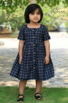 sainuzZ Kids Party Wear Dresses, Kids Dress Wear, Kids Gown, Dresses Kids Girl, Kids Wear, Girls Frock Design, Kids Frocks Design, Baby Frocks Designs, Baby Dress Design