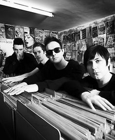 """Glasvegas """"It's My Own Cheating Heart That Makes Me Cry"""" Alex said: """"This Song has the highest play count of my entire iTunes library."""" (Song from True Blood's Cast Playlists ~ April, Vegas, True Blood, Listening To Music, Music Bands, Cheating, Itunes, Over The Years, Crying, Visualising"""