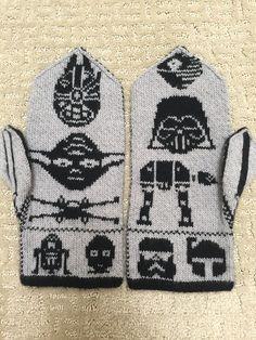 Double Knitting Patterns, Knitted Mittens Pattern, Knitting Charts, Knit Mittens, Knitted Gloves, Hand Knitting, Crochet Stars, Knit Crochet, Gauntlet Gloves