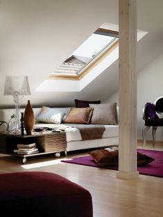 daglicht op zolder middels dakraam. Creëer een leefruimte op u zolder met een daglicht brengend dakraam Velux dakramen